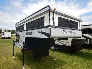Campers For Sale Indiana >> Pre Owned Used Truck Campers For Sale In Middlebury In Near